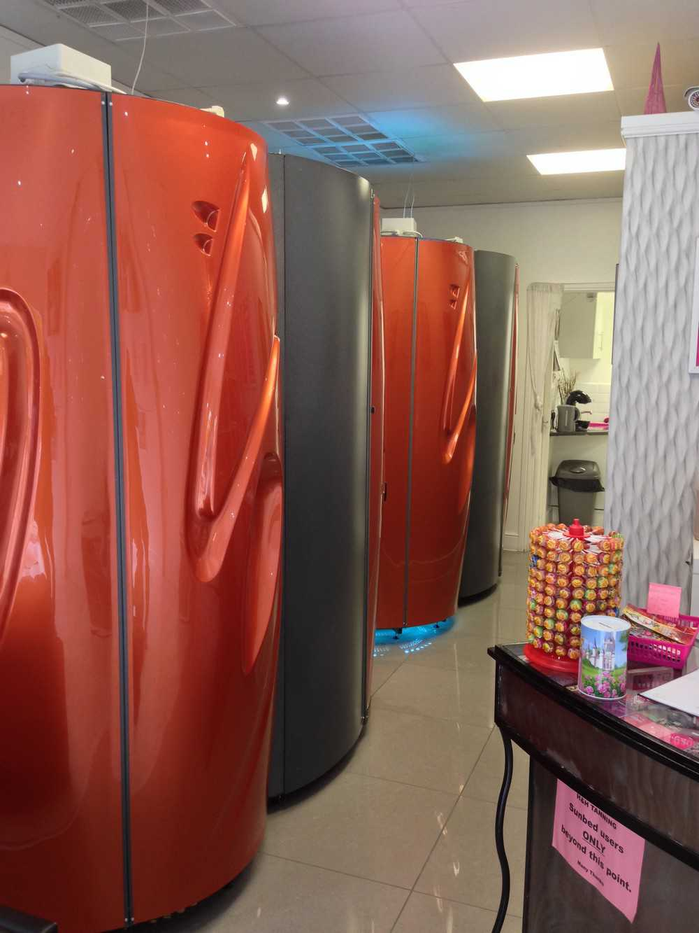 sunbed rental 4 sunbed rental company. Black Bedroom Furniture Sets. Home Design Ideas